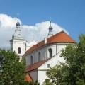 Klasztor OO. Jezuitów wokół drzewa